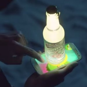 NOWY SPOT TYMBARKU – GLOWING BOTTLES